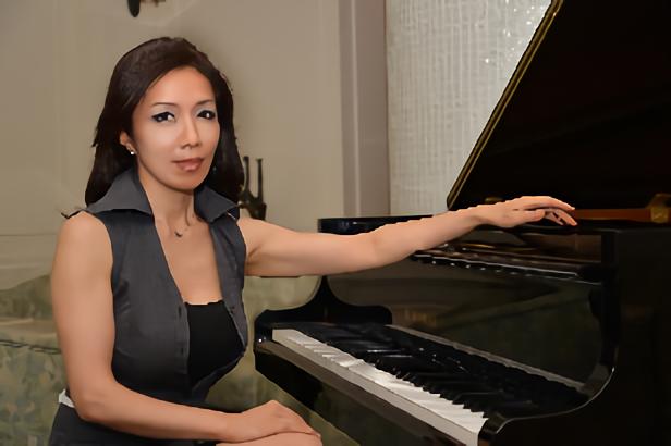 Takako Ines Asahina ピアノコース【梅田校】
