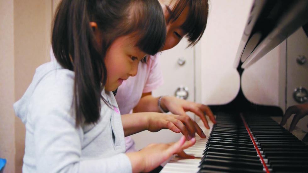 カワイ音楽教室 トート梅田 新規受講生募集!4歳はピアノをはじめるのに最も適した年齢です。通いやすいJR大阪駅・阪急梅田駅近くの大阪駅前第1ビル1階です。